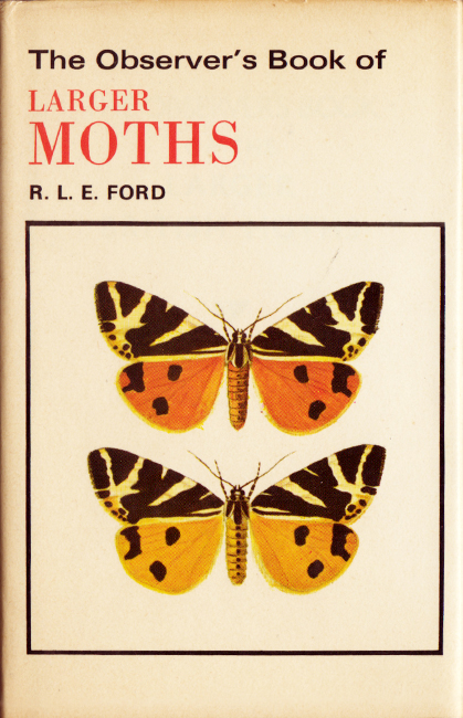 "Richard Lawrence Edward Ford, The Observer's Book of larger moths, Frederick Warne Ltd, Londra, 192 p., ISBN 0-7232-1534-0, 1978. I libri della collana ""The Observer's Series"", iniziata nel 1937, è stata soggetta a costanti revisioni. Questa pratica guida tascabile introduce al mondo delle falene con ben 94 specie, di cui sono elencati svariati aspetti e curiosità. I testi sono molto chiari ed impeccabili. Vi cito la frase iniziale che personalmente trovo perfetta: ""Moths belong to the larger Order of Insects called Lepidoptera, and this order is divided into two divisions, Butterflies, or Rhopalocera, and Moths, or Heterocera"". Il libro è una ristampa dell'edizione del 1974."